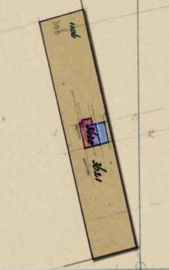 Kadasterkaartje 1879: blauw-paars is de oude situatie en rood-paars de nieuwe, vergrote hut