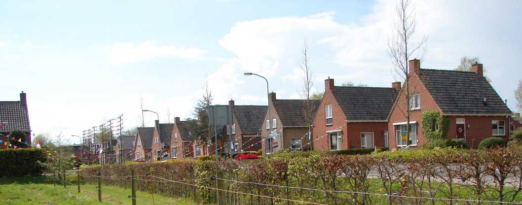 Derde huis vanaf rechts is Hoornweg 29.