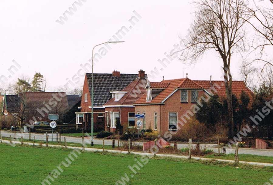 V.r.n.l. Nieuweweg 74, 72 en 70 in 1994.