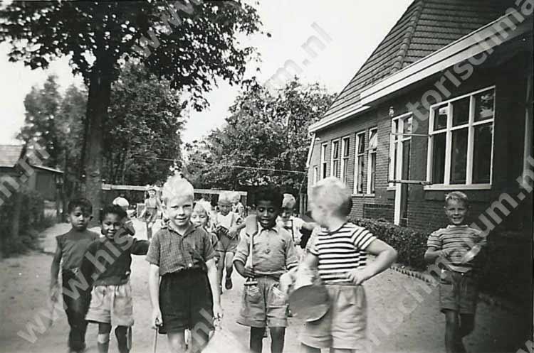De kleuterschool in het verenigingsgebouw.